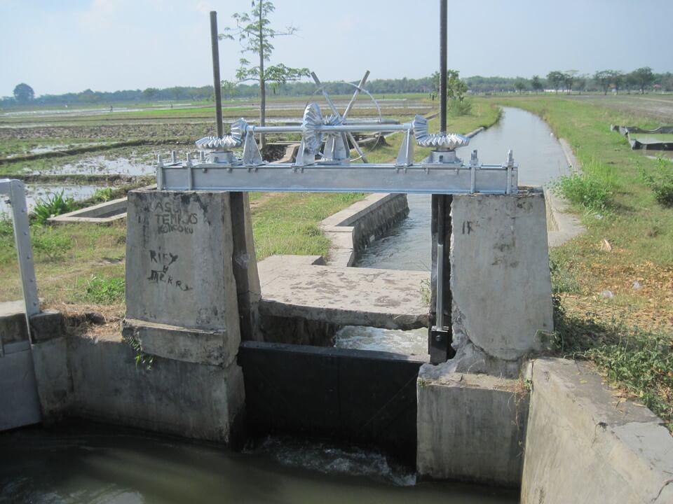 proyek pintu air gearbox kabupaten sukoharjo