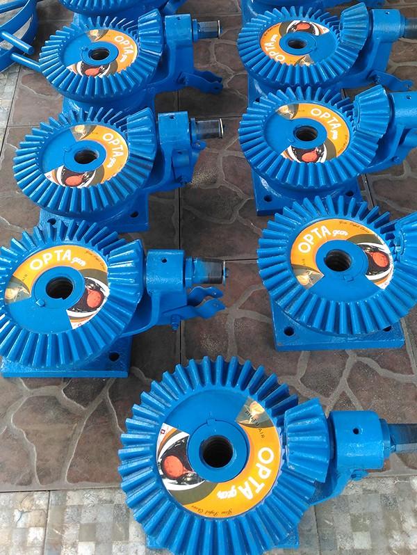 part gearbox roda gigi pintu air