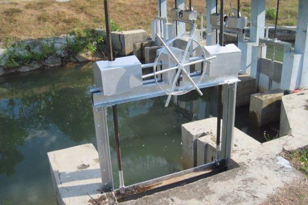 produk pintu air murah puron colo barat