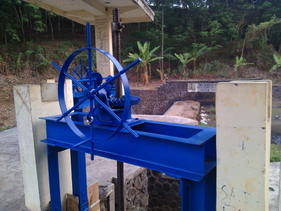 proyek pintu air